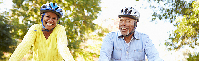 diabetes-article_senior-couple-on-bicycles_190109